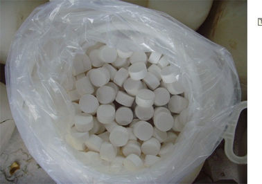 China Tablet / Granule / Powder Calcium Hypochlorite Water Purification 65% CAS No 7778-54-3 distributor
